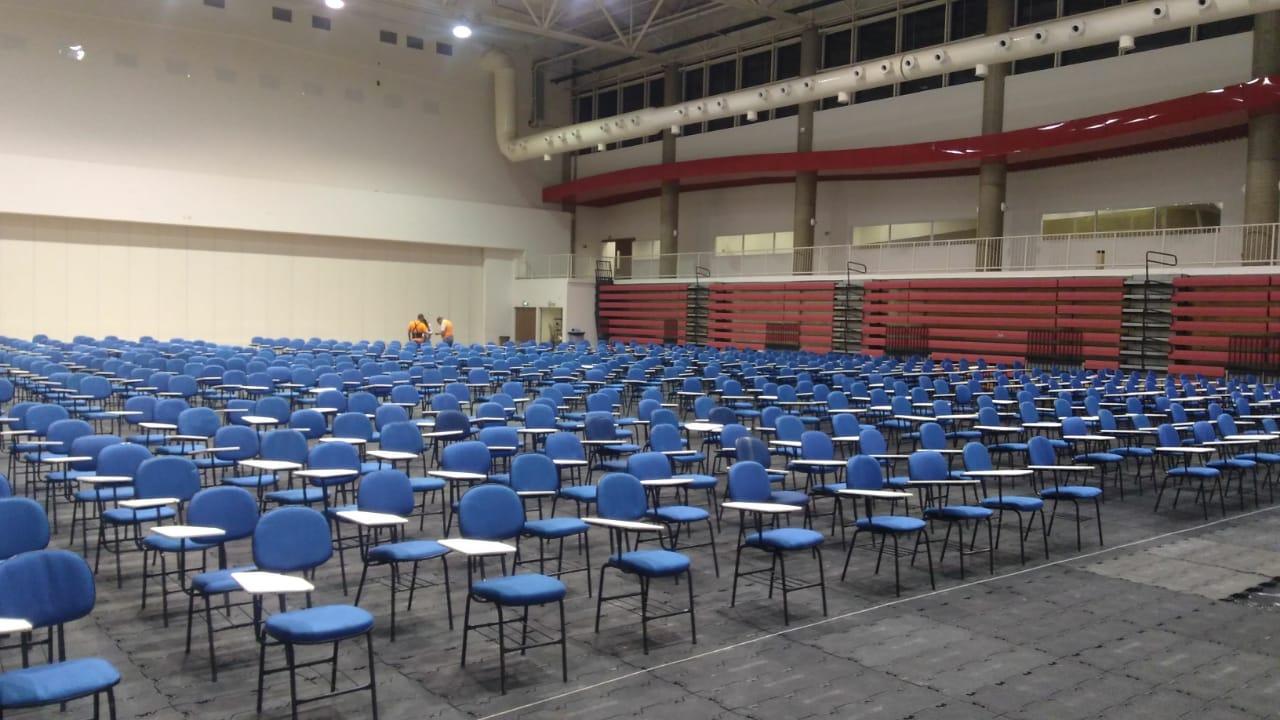 Aluguel de Cadeiras Universitária para Provas